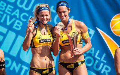 Laura and Kira win historic #TorontoFinals gold